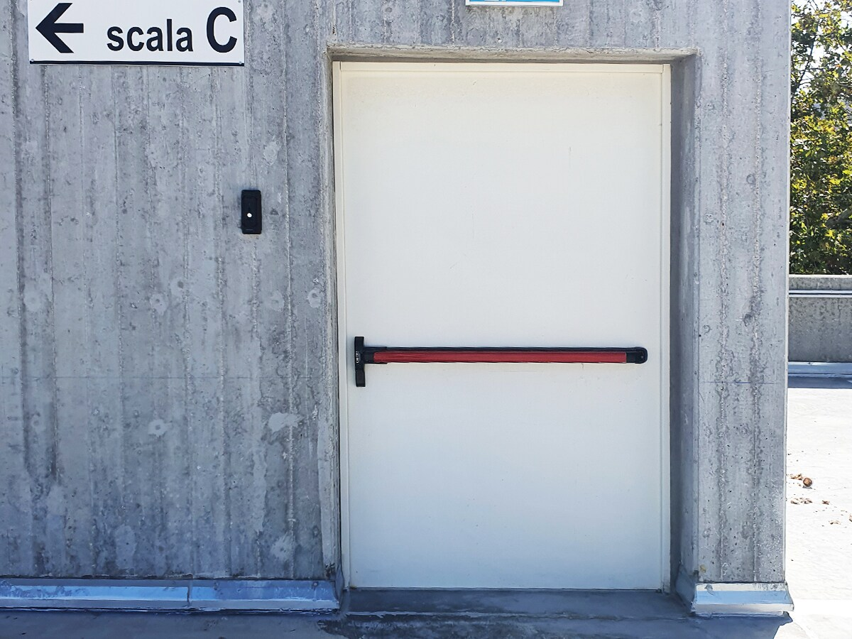 CHIUSURE TAGLIAFUOCO E ANTINCENDIO – Porte EI 60 ed EI 120 ad una o due ante Battenti