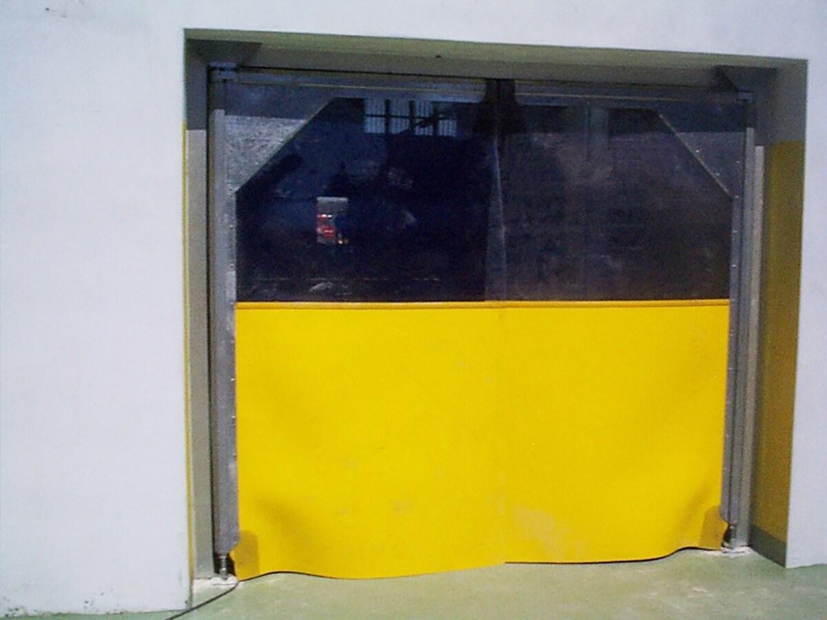PORTE AUTOMATICHE INDUSTRIALI RAPIDE E FLESSIBILI IN PVC –  Porte FLAP e a strisce in PVC